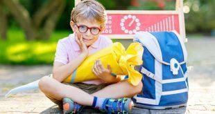 Junge mit Schultüte - frühe Einschulung